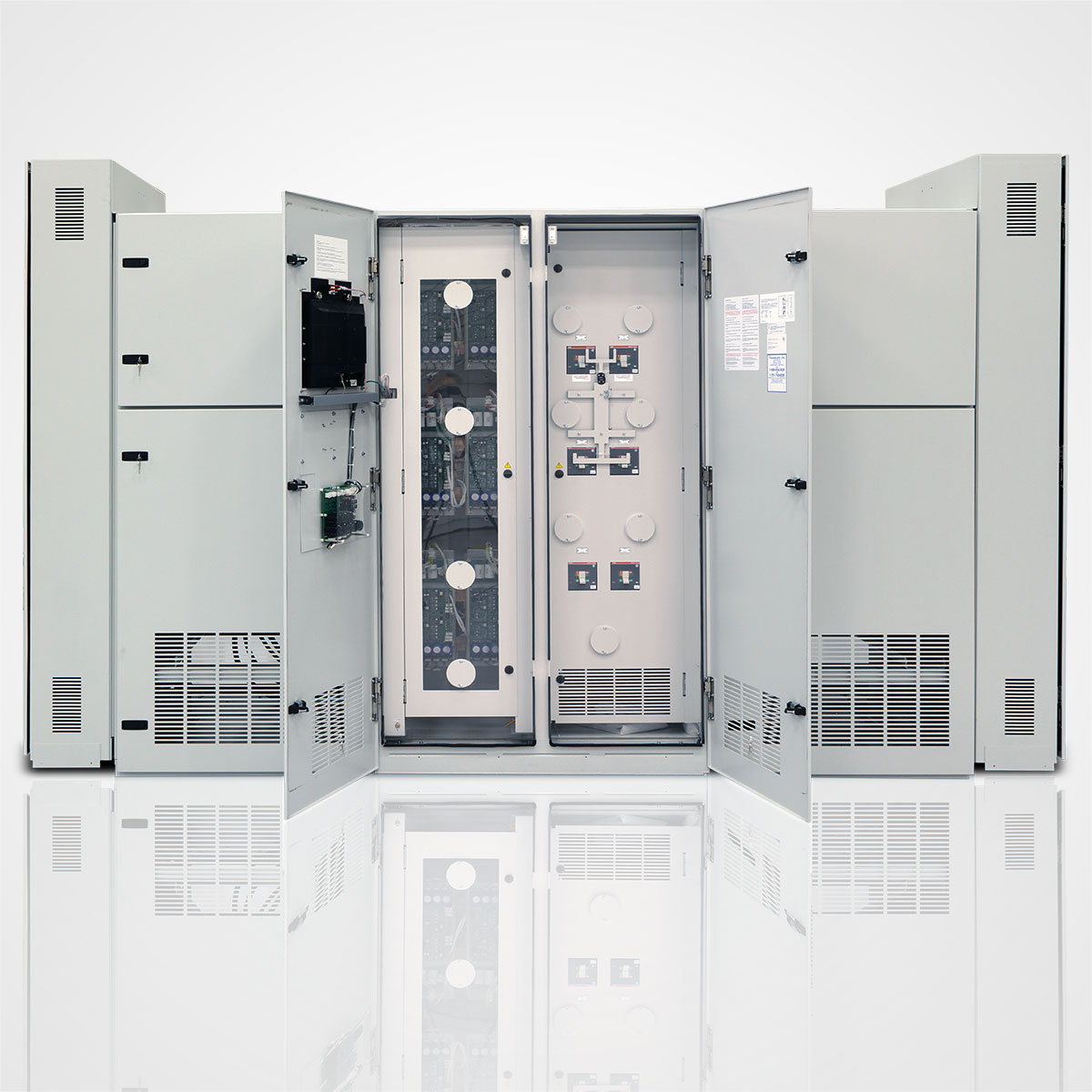 The LayerZero Series 70 ePODs: Dual Type-P Static Transfer Switch Section.